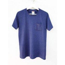 เสื้อยืดมีกระเป๋าสีฟ้าสด