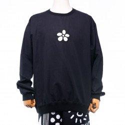 เสื้อ Sweater สีดำ ปักลาย ดอกไม้