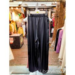 กางเกงผ้าผ้าไหมซาติน: ดำ