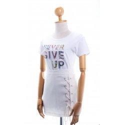 (สีขาว) เสื้อยืด NEVER GIVE UP
