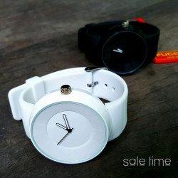 นาฬิการุ่น Fucda แบบมีเข็ม